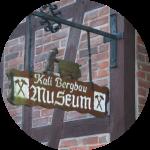 Eingangsschild des Kali Bergbau Museums in Volpriehausen – Museen Südniedersachsen